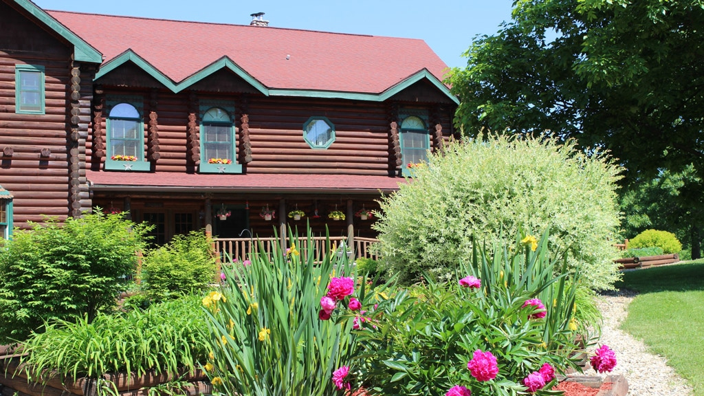 Visit Cave of the Mounds Wisconsin near our Bed and Breakfast